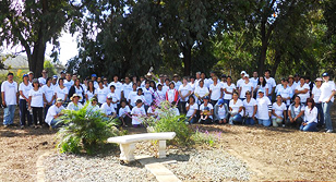 Alocoa Fastening Systems NP Employees Volunteer