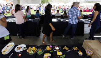 Sell-out crowd enjoys food, wine at Casa Pacifica event